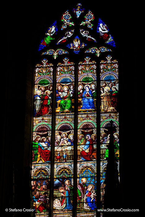 Saint Emilion: the stained glass windows of the Eglise Collegiale