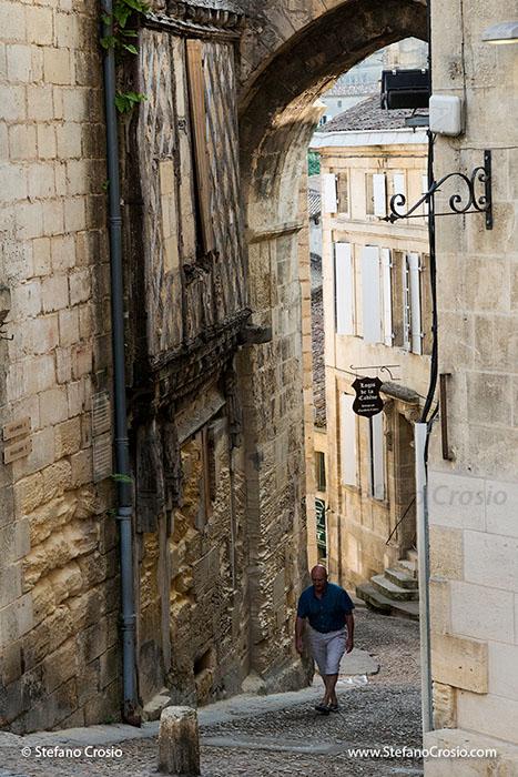 Saint Emilion: La Maison de la Cadene (House of the Chain) and la Porte de la Cadene (Door of the Chain)