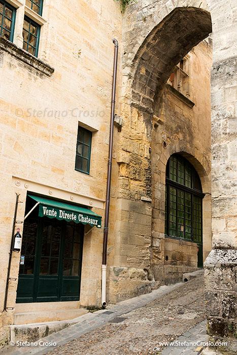Saint Emilion: La Porte de la Cadene (the Door of the Chain)