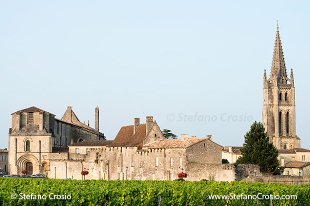 Saint Emilion: The Eglise Collegiale and the bell tower of the Monolithic Church