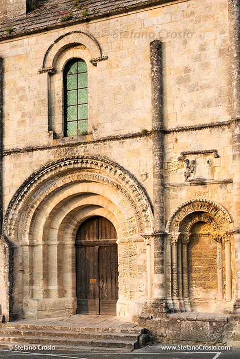 Saint Emilion: facade of the Eglise Collegiale (XII-XV century)