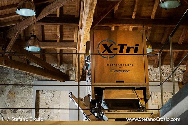 The X-Tri optical grape sorter of Chateau de Ferrand (Grand Cru Classé)